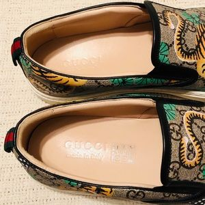 35513d2ac2d Gucci Shoes - GUCCI BENGAL TIGER GG Supreme Slip On Sneakers